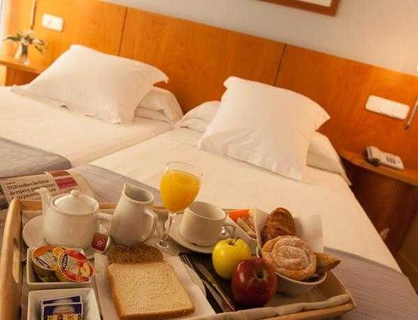 Oferta Viaje Hotel Nuria + Entradas Circo del Sol Amaluna - Nivel 1