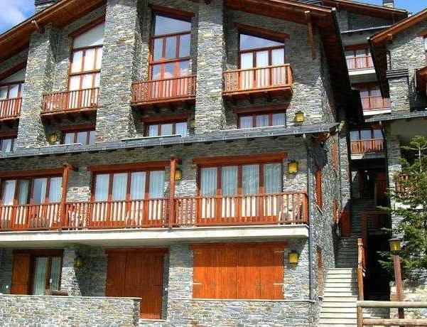 Oferta Viaje Hotel Escapada Apartotel Ona Dorada El Tarter + Entradas General tres Horas - Caldea