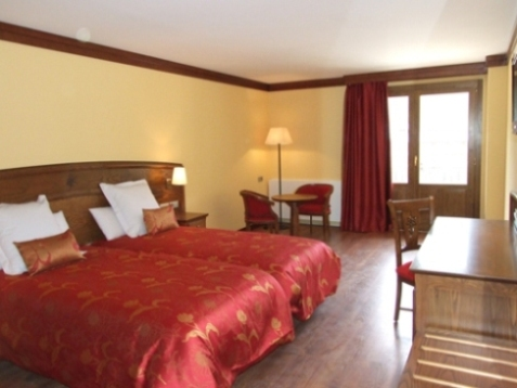 Oferta Viaje Hotel Escapada Parador Canaro + Entradas Circo del Sol Scalada