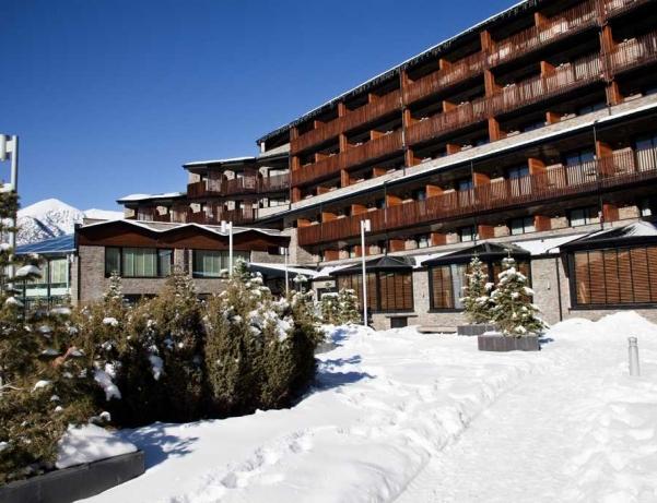 Oferta Viaje Hotel Escapada Piolets Park & Spa + Entradas Circo del Sol Scalada + Inuu