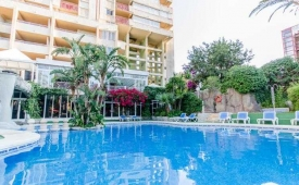 Oferta Viaje Hotel Escapada Aparthotel El Faro + Entradas Terra Naturaleza Benidorm + Aqua Naturaleza Benidorm