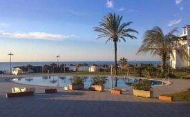 Oferta Viaje Hotel Escapada Vik Gran Hotel Costa del Sol + Entradas General Selwo Aventura Estepona