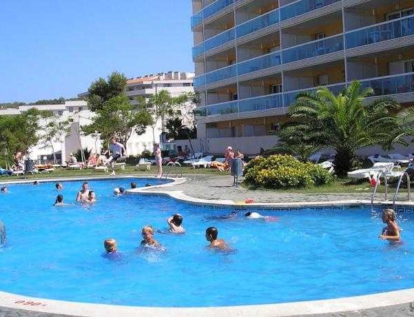 Oferta Viaje Hotel Escapada Pisos Ibersol Siesta Dorada + Entradas PortAventura 1 día