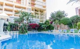 Oferta Viaje Hotel Escapada Aparthotel El Faro + Entradas Terra Mítica dos días