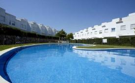 Oferta Viaje Hotel Escapada Villas Cimas de Salou + Entradas PortAventura tres días dos parques