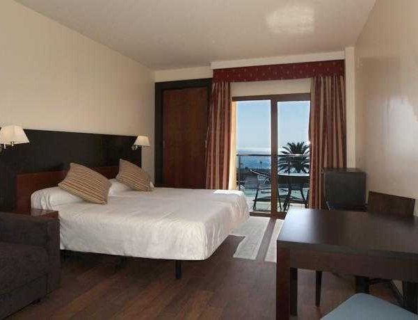 Oferta Viaje Hotel Escapada Hotel Pierre & Vacances Torremolinos Stella Polaris + Entradas Bioparc de Fuengirola