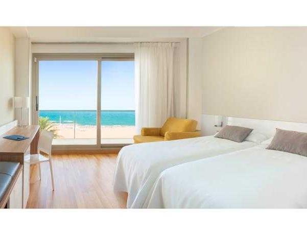 Oferta Viaje Hotel Escapada RH Bayren + Entradas Oceanogràfic + Hemisfèric