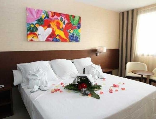 Oferta Viaje Hotel Escapada Hotel & Spa Real Urbe de Zaragoza