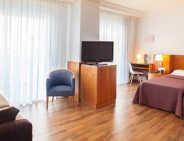 Oferta Viaje Hotel Escapada RH Victoria + Entradas Terra Mítica dos días
