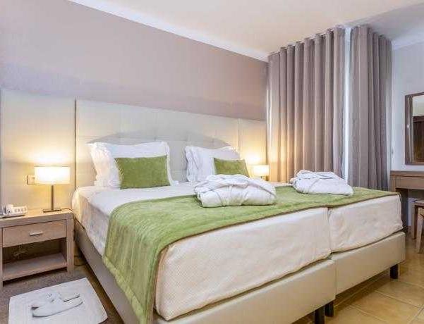 Oferta Viaje Hotel Escapada Santa Eulália Hotel Piso & Spa + Entradas Aquashow Park