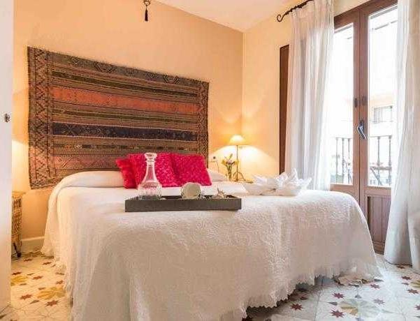 Oferta Viaje Hotel Hostal Residencial Terra De Mar + Entradas Terra Mítica 1 día