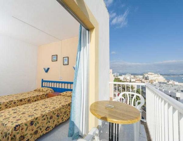 Oferta Viaje Hotel Escapada Hostal Apolo + Entradas a Naturaleza Parc
