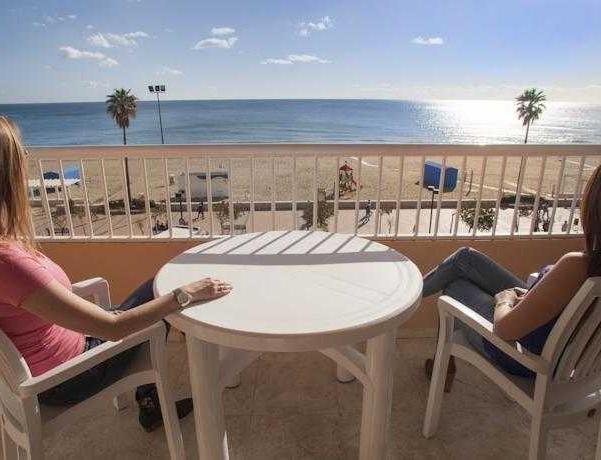 Oferta Viaje Hotel Escapada Pisos La Jabega + Entradas Paquete Selwo (SelwoAventura, Teleférico, Selwo Marina Delfinarium)