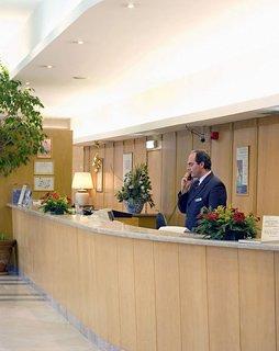 Oferta Viaje Hotel Escapada Tryp Oriente + Espectáculo Fado