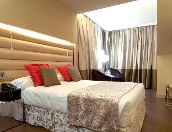 Oferta Viaje Hotel Escapada Vincci Capitol + Entradas 1 día Zoo la villa de Madrid