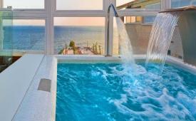 Oferta Viaje Hotel Escapada Villa Venecia Hotel Boutique Sibarita + Entradas Terra Mítica 1 día