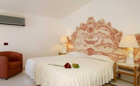 Oferta Viaje Hotel Escapada Vilamoura Golf Hotel y también Pisos + Entradas Aquashow Park
