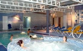 Oferta Viaje Hotel Escapada Victoria Beach Apartments + Entradas Terra Mítica 1 día