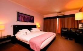 Oferta Viaje Hotel Vila Gale Praia (adults only) + Entradas Zoomarine Parque temático 1 día