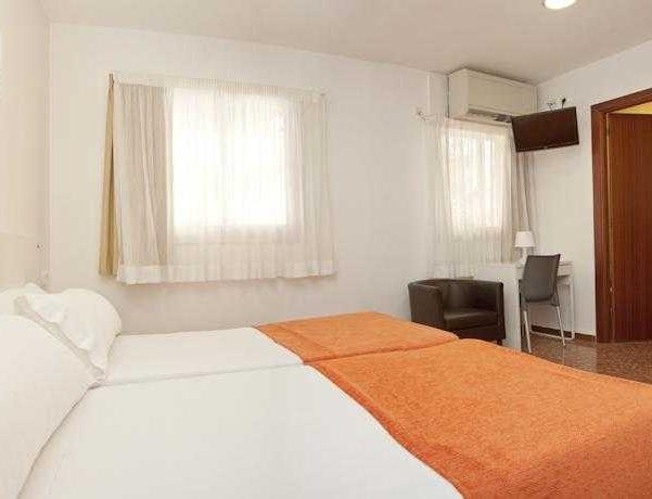 Oferta Viaje Hotel Escapada CATALUNYA EXPRESS HOTEL + Entradas PortAventura 1 día