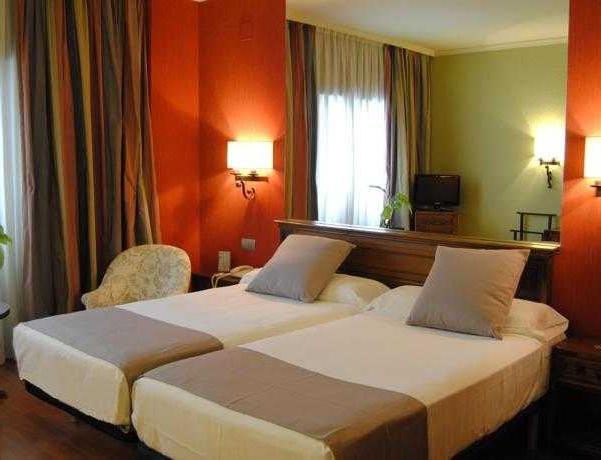 Oferta Viaje Hotel Escapada Zenit Sevilla + Entradas Isla Mágica 1 día