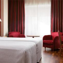 Oferta Viaje Hotel NH Bretón ***