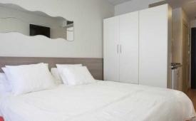 Oferta Viaje Hotel Escapada Vertice rooms + Entradas dos días sucesivos Warner con 1 día Warner Beach