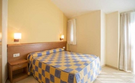 Oferta Viaje Hotel Annapurna + Entradas Circo del Sol Scalada + Caldea