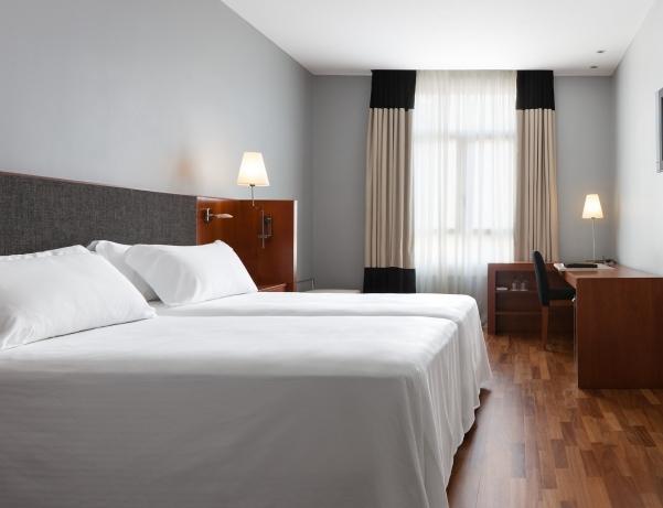 Oferta Viaje Hotel Hotel NH Puerta de Alcala en Madrid