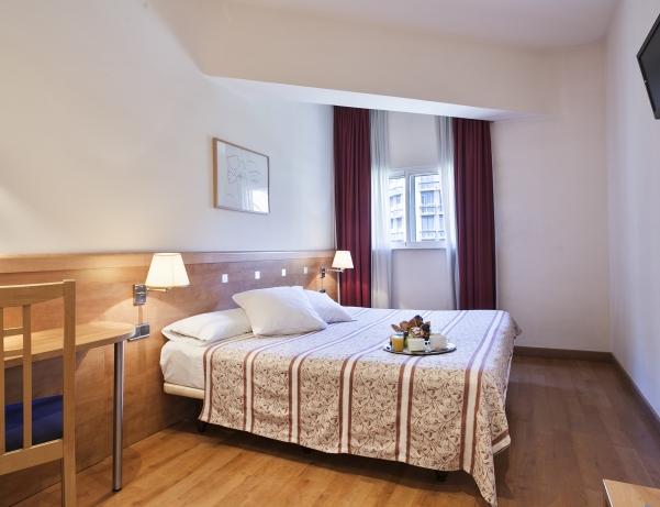 Oferta Viaje Hotel Hotel Acta Antibes en Barcelona