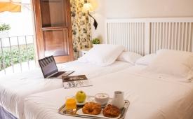 Oferta Viaje Hotel Hotel Miguel de Cervantes Hostal en Alcalá de Henares