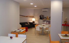 Oferta Viaje Hotel Hotel Aslyp 114 Hostal en Barcelona