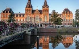 Oferta Viaje Hotel Rijksmuseum sin colas + Hop on Hop off en Bus