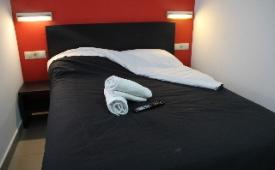 Oferta Viaje Hotel Escapada Youth Hostel Center Valencia + Entradas 1 día Bioparc