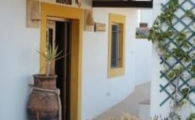 Oferta Viaje Hotel Escapada Hostal El Dorado + Entradas a Parque Oasys Mini Hollywood
