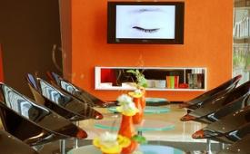 Oferta Viaje Hotel Escapada Confortel Aqua tres + Entradas 1 día Bioparc