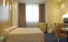 Oferta Viaje Hotel Escapada Abba la capital española + Entradas dos días sucesivos Warner con 1 día Warner Beach